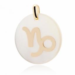 Pendentif en or jaune et nacre, zodiaque capricorne