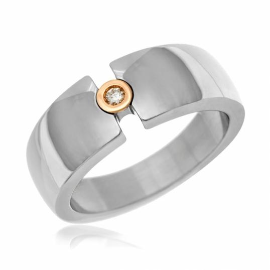 design intemporel a3244 51eee Bague en or et acier, diamant