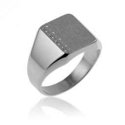 Chevalière rectangle en argent rhodié, diamantée sur les côtés