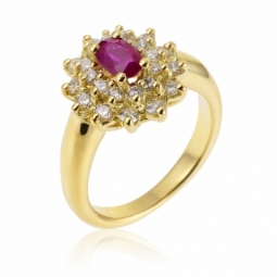 Bague en or jaune, rubis double entourage diamants