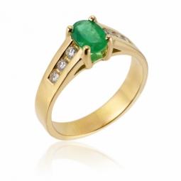 Bague en or jaune, émeraude et diamants