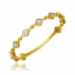 Demi alliance en or jaune rhodié et diamants