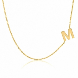Collier en or jaune, lettre M