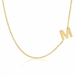 Collier en or jaune, lettre M