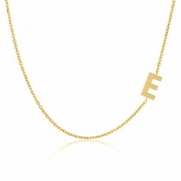 Collier en or jaune, lettre E