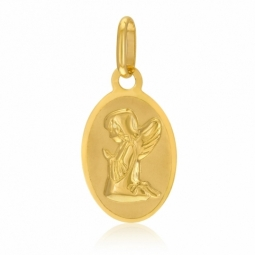 Medaille ovale  en or jaune, ange agenouillé