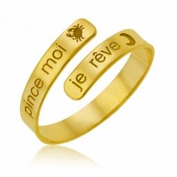 f8ca6332a5542 Bague en or jaune gravée Pince moi je rêve