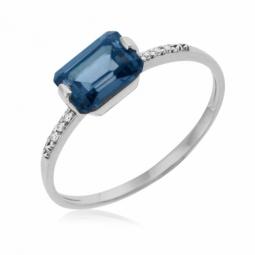 Bague en or gris, cristaux de synthèse bleu et blancs