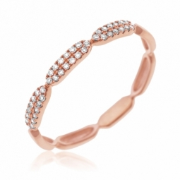 Demi alliance en or rose et diamants