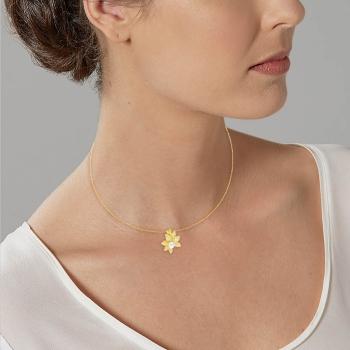 Collier en plaqué or, perle de culture et oxydes de zirconium