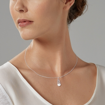 Collier en argent rhodié, perle de culture et oxydes de zirconium